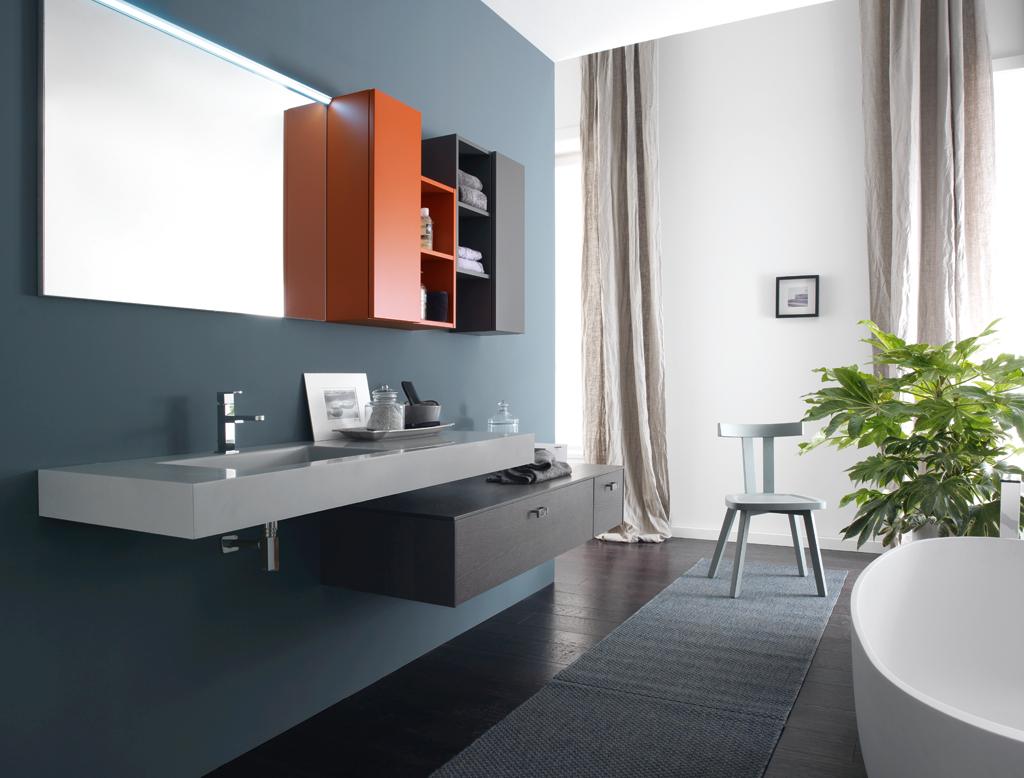 Bagno doccia mansarda di villa azzurra foto